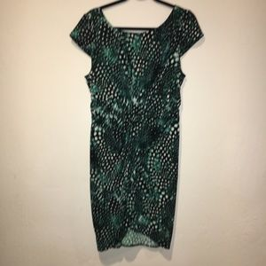 (VS) Green and Black low back plunge dress